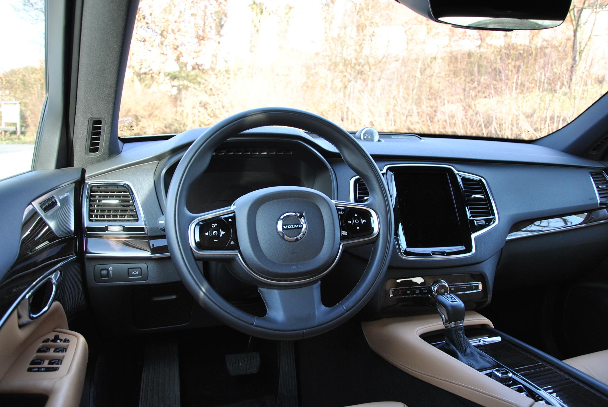 Das Interieur des neuen Volvo XC90 zeigt sich so luxuriös wie bei keinem anderen Modell des schwedischen Premium-Herstellers zuvor. (Bildquelle: ReschMedia)