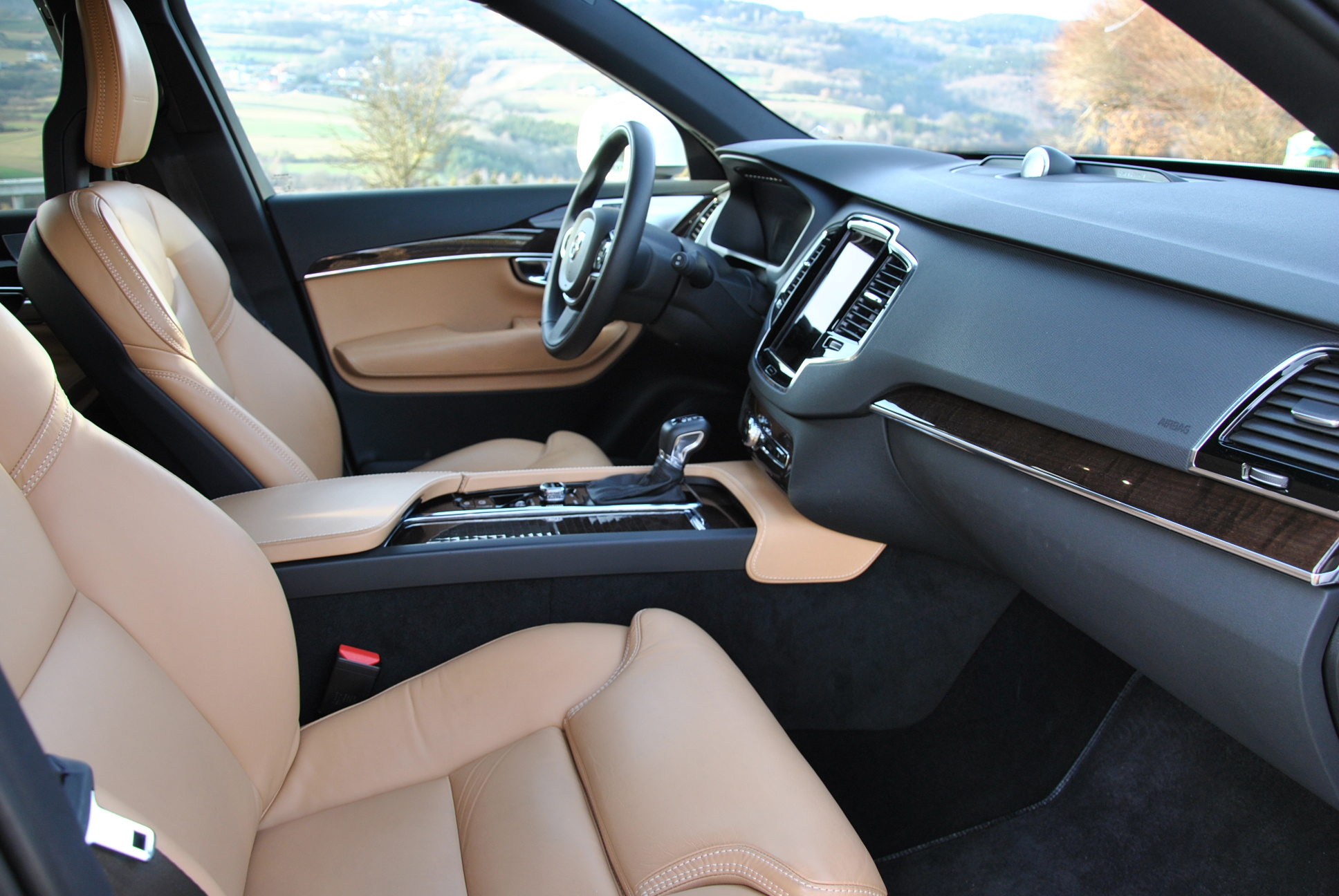 Höchster Komfort dank neuer Sitze im neuen Volvo XC90. (Bildquelle: ReschMedia)