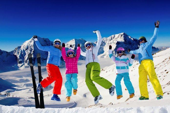 Skibekleidung mieten statt kaufen - keine schlechte Idee (Bildquelle: Getty Images / iStockphoto / Wojciech Gajda)