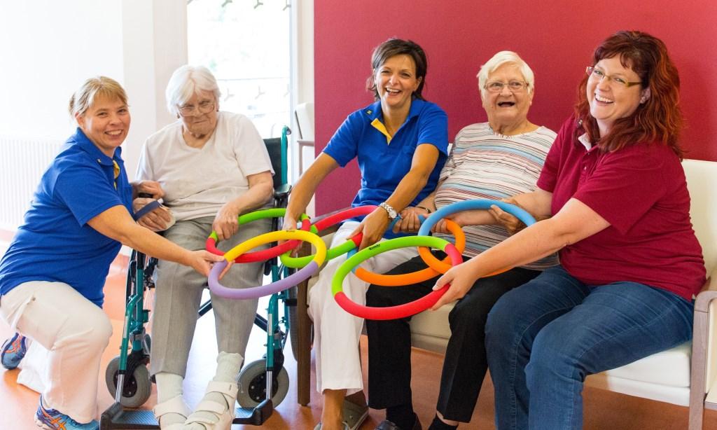 Auch ältere Menschen dürfen und können sich sportlich betätigen. In den NÖ Landespflegeheimen gibt es dazu vielfältige (moderate) Angebote. (Bildquelle: Land NÖ / R. Jandl)