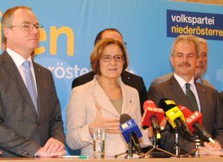 Landeshauptfrau Johanna Mikl-Leitner bei der Pressekonferenz in Mauerbach (Bildquelle: ReschMedia)