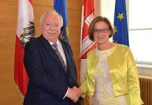 Landeshauptfrau Johanna Mikl-Leitner traf zu einem ersten Arbeitsgespräch mit dem Wiener Bürgermeister Michael Häupl zusammen. (Bildquelle: NLK / Johann Pfeiffer)