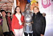 Familienministerin Dr. Sophie Karmasin (links im Bild) und NÖ Landesrätin Mag. Barbara Schwarz zu Besuch beim NÖ Familienfest auf der Schallaburg. (Bildquelle: Thomas Resch)