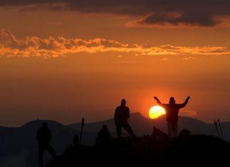 Ab 29. Juni werden die Sonnenaufgangswanderungen mit Gondelfahrt auf das Wiedersbergerhorn angeboten. Der Aussichtsberg bietet herrliche Panoramablicke. (Bildquelle: Alpbachtal Seenland Tourismus / Bernhard Berger)