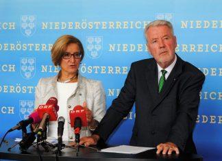 Landeshauptfrau Johanna Mikl-Leitner und Klubobmann Klaus Schneeberger bei der Pressekonferenz zum NÖ Demokratiepaket. (Bildquelle: Thomas Resch)