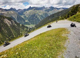 Highlight war die Motorrad-Parade mit 450 röhrenden Maschinen zum höchsten Biker-Treffen Österreichs auf die auf 2.320 Metern gelegene Idalp. (Bildquelle: TVB Paznaun / Ischgl)