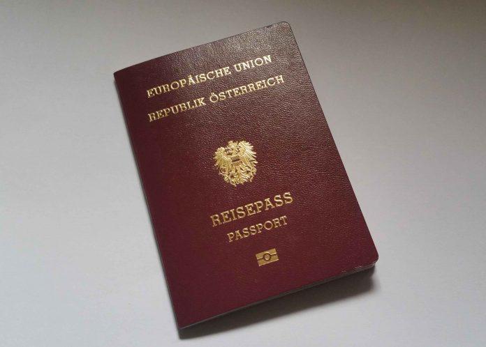 Reisen ins Ausland nur mit gültigem Reisedokument (Bildquelle: Reinhard Resch)