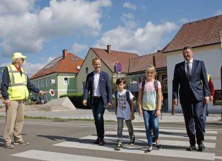 (v.l.n.r.): Bürgermeister Trofaiach- Mario Abl und Infrastrukturminister Jörg Leichtfried (Bildquelle: bmvit / Siegi Gallhofer)