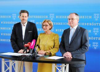 (v.l.n.r.): Wissenschaftsminister Harald Mahrer, Landeshauptfrau Johanna Mikl-Leitner und LH-Stellvertreter Stephan Pernkopf bei der Pressekonferenz in St. Pölten. (Bildquelle: Thomas Resch)