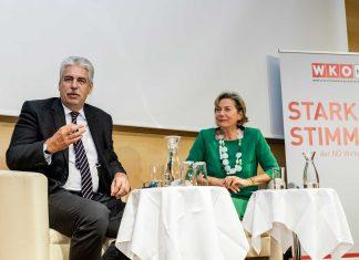 Im Gespräch Finanzminister Hans Jörg Schelling mit WKNÖ-Präsidentin Sonja Zwazl (Bildquelle: David Schreiber)