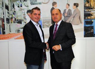 NÖAAB-Landesobmann Bundesminister Wolfgang Sobotka (rechts) gratuliert dem designierten AKNÖ-Vizepräsidenten Josef Hager (Bildquelle: Thomas Resch)