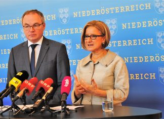 LH-Stellvertreter Stephan Pernkopf und Landeshauptfrau Johanna Mikl-Leitner informierten über das Ausbau-Programm der NÖ Landeskliniken. (Bildquelle: Thomas Resch)
