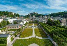 Blick über den Mirabellgarten auf die Salzburger Altstatdt (Bildquelle: Tourismus Salzburg GmbH / Günter Breitegger)