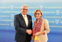 """Gemeindebund-Präsident Alfred Riedl und Landeshauptfrau Johanna Mikl-Leitner informierten zum Thema """"Mehr Bürgerservice in den Gemeinden"""". (Bildquelle: Thomas Resch)"""