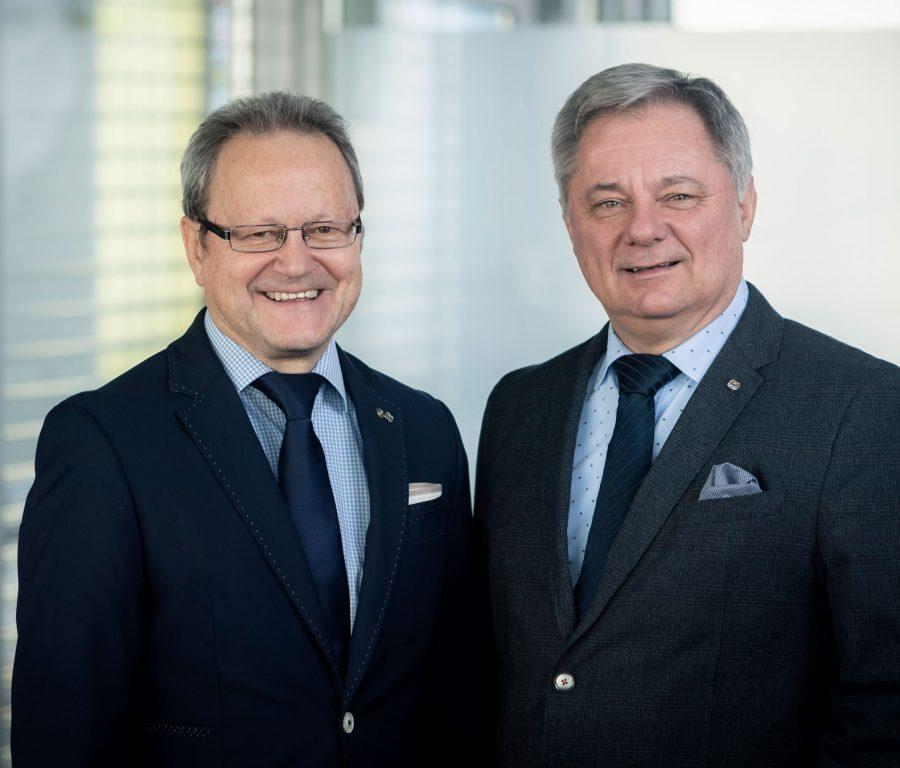 Kaufmännischer Geschäftsführer Dipl. KH-BW Helmut Krenn und Medizinischer Geschäftsführer Dr. Markus Klamminger (Bildquelle: Landeskliniken-Holding)