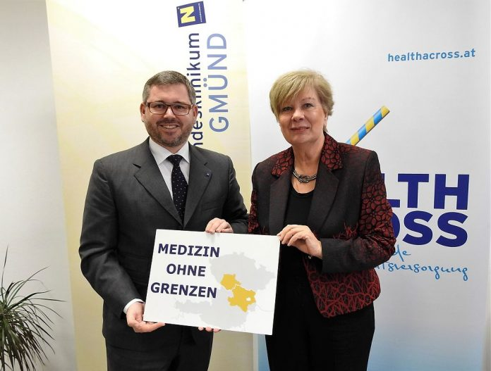 """Landesrat Ludwig Schleritzko und Kreishauptfrau Ivana Stràskà geben den Startschuss für """"Healthacross for future"""" (Bildquelle: Thomas Resch)"""