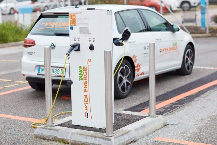 In der Stadt einkaufen, während Elektroauto lädt (Bildquelle: Wien Energie/Ehm)