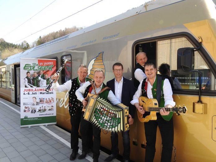 v.l.n.r.: Manfred Maier, Andreas Doppelhofer, Anton Hackner, Fritz Kristoferitsch und Gerald Moser vor der Himmelstreppe (Bildquelle: Thomas Resch)