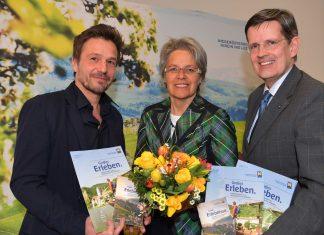 v.l.n.r.: Mag. Klaus Grabler, Geschäftsführer des durchführenden Marktforschungsinstituts MANOVA, Tourismuslandesrätin Petra Bohuslav und Christoph Madl, Geschäftsführer der Niederösterreich-Werbung (Bildquelle: NLK Filzwieser)