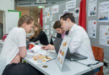 Im Vorfeld präsentierten sich niederösterreichische Übungsfirmen im Rahmen einer Übungsfirmenmesse im WIFI St. Pölten (Bildquelle: Andreas Kraus)