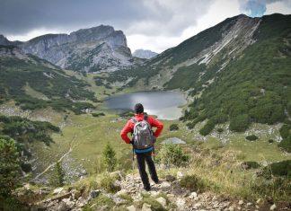 Bei der kitzalp24 werden herrliche Seen und Gipfel zum ständigen Begleiter der Wanderer (Bildquelle: Gabriele Grießenböck)
