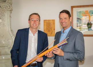 Bürgermeister Jürgen Maier und kabelplus Geschäftsführer Gerhard Haidvogel (Bildquelle: kabelplus / Plutsch)