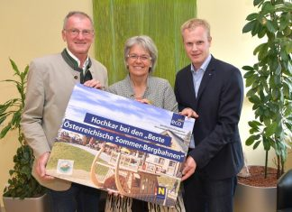 (v.l.n.r.): Bürgermeister Friedrich Fahrnberger, Wirtschafts- und Tourismuslandesrätin Petra Bohuslav und NÖ-BBG Geschäftsführer Markus Redl (Bildquelle: NLK Pfeiffer)