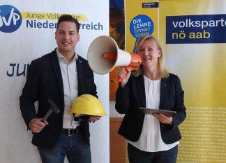 """JVP Landesobmann Bernhard Heinreichsberger und NÖAAB-Landesgeschäftsführerin Sandra Kern sind überzeugt: """"A Lehr bringt mehr!"""" (Bildquelle: Thomas Resch)"""