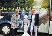 (v.l.n.r.): Landesrätin Petra Bohuslav und Bundesministerin Margarete Schramböck setzen auf Zusammenarbeit von Land und Bund beim digitalen Wandel (Bildquelle: Thomas Resch)