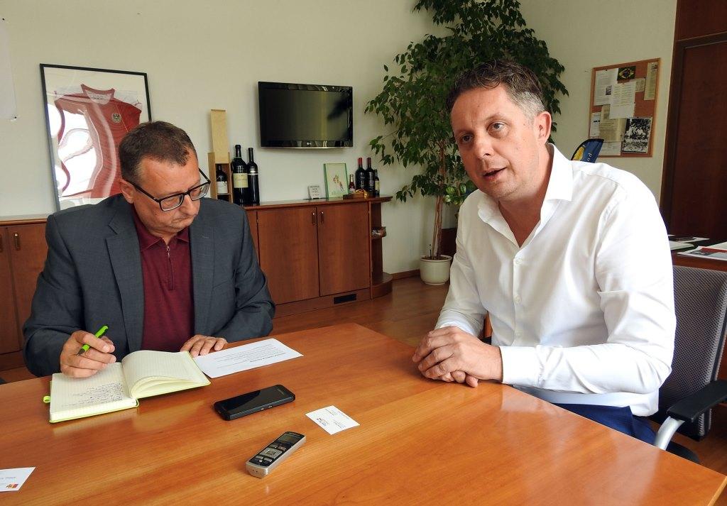 Guten Tag Österreich Chefredakteur Thomas Resch im Gespräch mit Mag. Alexander Petschnig (Bildquelle: Guten Tag Österreich)