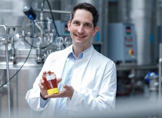 """""""Der Ketchup mit unserer Allulose schmeckt so, wie Ketchup schmecken soll"""", sagt Savanna Ingredients-Geschäftsführer Dr. Timo Koch (Bildquelle: Pfeifer & Langen GmbH & Co. KG / Philippe Ramakers)"""