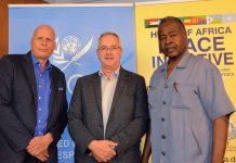 (v.l.n.r.): Peter Wötzl mit den beiden Chefs der UN-Korrespondenten in Wien, Josef Siegele und Abdalla Sharief (Bildquelle: Guten Tag Österreich)
