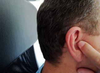 Unangenehme Druckschmerzen im Ohr bei Flugreisen (Bildquelle: Michaela Resch)