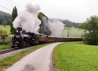 Eine Reise wie anno dazumal: Mit der Nostalgie Doppeltraktion geht es von St. Pölten nach Mariazell (Bildquelle: NÖVOG / Markus Gregory)