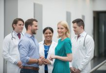 Landesrätin Mag.a Christine Haberlander freut sich über die hohen Anmeldezahlen beim Medizin-Aufnahmetest (Bildquelle: Weber)