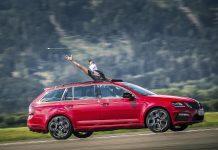 CATCH THE ARROW: Die Marke mit dem geflügelten Pfeil stellt Weltrekord auf (Bildquelle: Škoda)