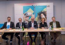 (v.l.n.r.): DI (FH) Roland Sprengseis, HR Mag. Wilfried Nagl, LH-Stv. Dr. Michael Strugl, Mag.a Brigitte Hütter, MSc und FH-Prof. Mag. Dr. Berthold Kerschbaumer (Bildquelle: Business Upper Austria / Krügl)