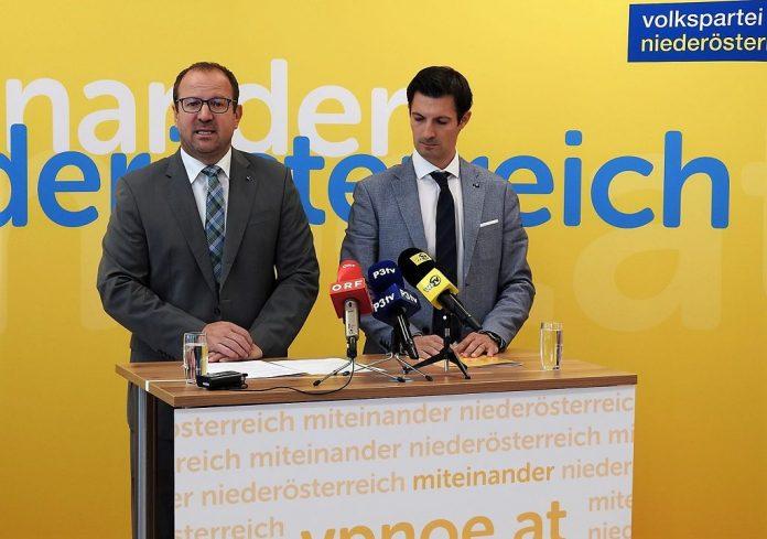 (v.l.n.r.): VPNÖ-Landesgeschäftsführer Bernhard Ebner und Kultursprecher LAbg. Bgm. René Lobner bei der Pressekonferenz in St. Pölten. (Bildquelle: Thomas Resch)