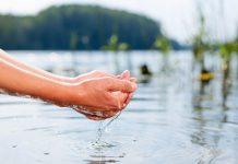 HOFER investiert 50.000 Euro in den gemeinsam mit dem Naturschutzbund gegründeten Wasserfonds (Bildquelle: Hofer)