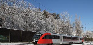 In der Nähe vom Hauptbahnhof Wien gibt es eine neue Eisschutzanlage, die den präventiven Vereisungsschutz für Schienenfahrzeuge im Bereich der Laufwerke und Drehgestelle sowie am Triebfahrzeug sicherstellt (Bildquelle: ÖBB / Christoph Posch)