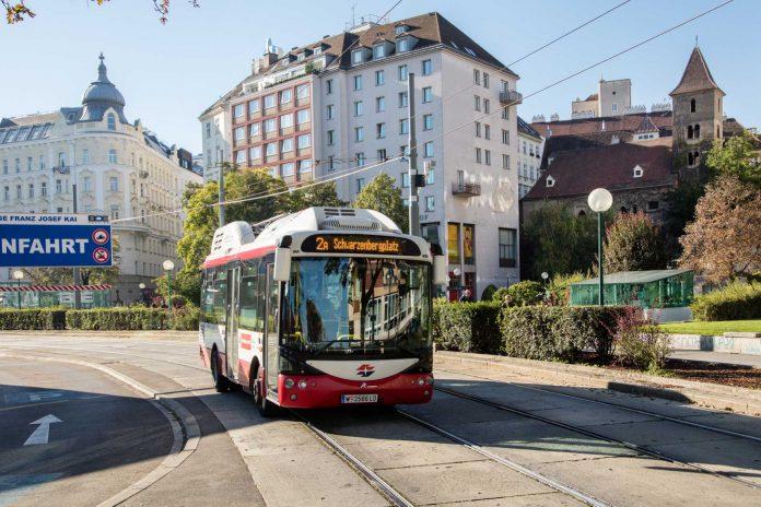 Wiener Linien als Vorreiter im Linienverkehr mit E-Bussen (Bildquelle: Wiener Linien/Manfred Helmer)