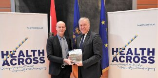 (v.l.n.r.): Francesco Zambon, WHO-Regionalleiter für Vernetzung in Europa, und Landesrat Martin Eichtinger (Bildquelle: Thomas Resch)