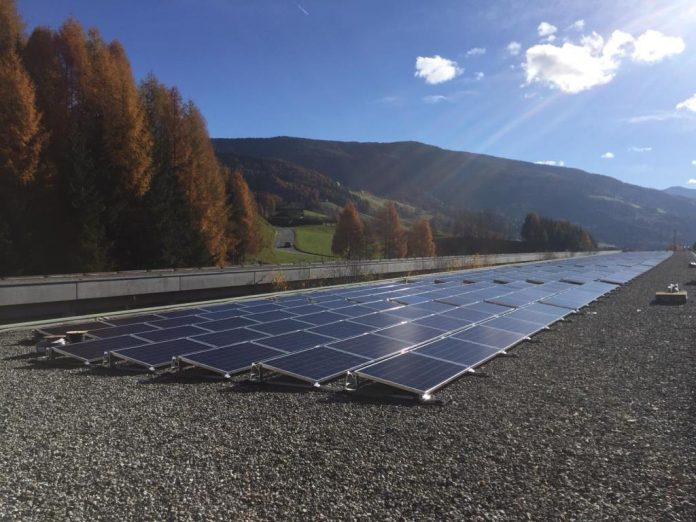 Fünfte Photovoltaik-Anlage auf Autobahntunnel (Bildquelle: ASFINAG)