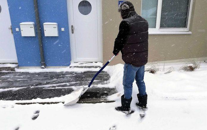 Öffentliche Wege, Gehsteige und Stiegenanlagen müssen bei Schneefall zwischen 6 und 22 Uhr geräumt und bei Bedarf auch gestreut sein (Bildquelle: Michaela Resch)