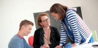 Unter dem Vorsitz von Landesrätin Christiane Teschl-Hofmeister hat der NÖ Schul- und Kindergartenfonds zahlreiche Unterstützungen für Investitionsvorhaben der Gemeinden im Kindergarten- und Pflichtschulbereich beschlossen (Bildquelle: Josef Herfert)