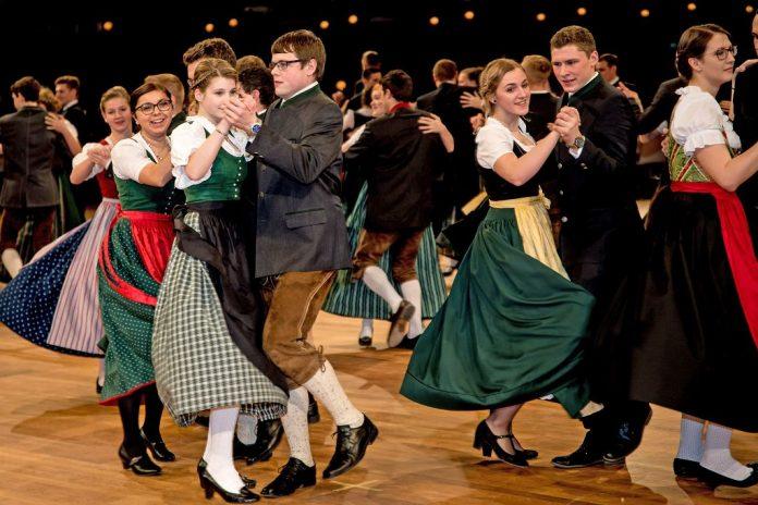 Der Nö. Bauernbundball verbindet Tradition und Moderne: Tanzen in Dirndl, Trachtenanzug und Lederhose am12. Jänner 2019 im Austria Center Vienna (Bildquelle: NÖ Bauernbund/Helmut Lackinger)