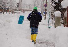 Gehsteig bzw. Straße müssen geräumt werden, auch bei Abwesenheit – sonst droht schlimmstenfalls Verurteilung (Bildquelle: Aloisia Gurtner)
