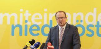 VPNÖ-Landesgeschäftsführer Bernhard Ebner bei der Pressekonferenz (Bildquelle: Volkspartei NÖ)