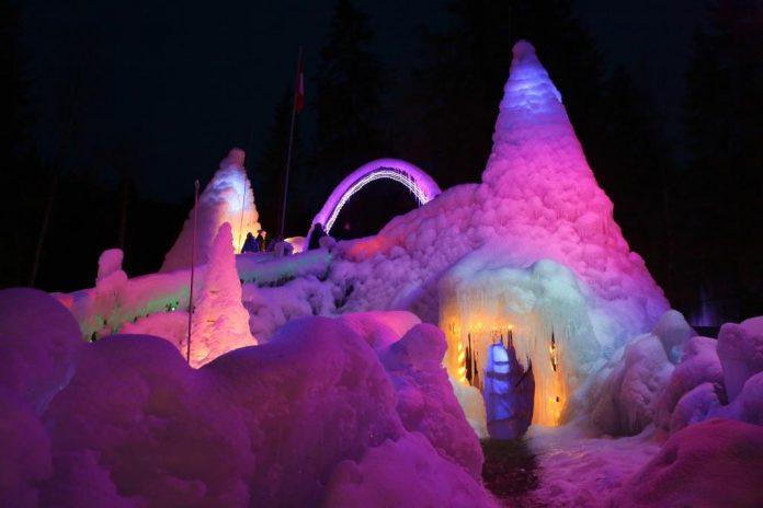 Eispaläste am Schwarzsee (Bildquelle: Sandra Mumprecht)