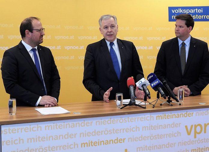 (v.l.n.r.): VPNÖ-Landesgeschäftsführer Bernhard Ebner, EU-Landesrat Martin Eichtinger und Europa-Abgeordneter Lukas Mandl bei der Pressekonferenz in St. Pölten (Bildquelle: Thomas Resch)